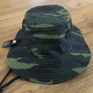 adidas Victory II bucket hat